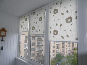 Установка рулонных штор на пластиковые окна в Тамбове