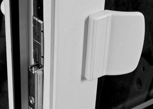 Установка защелки на пластиковую дверь